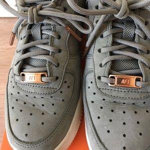 579b80e2bca1 Nike Shoes - Nike Air Force 1  07 Pinnacle